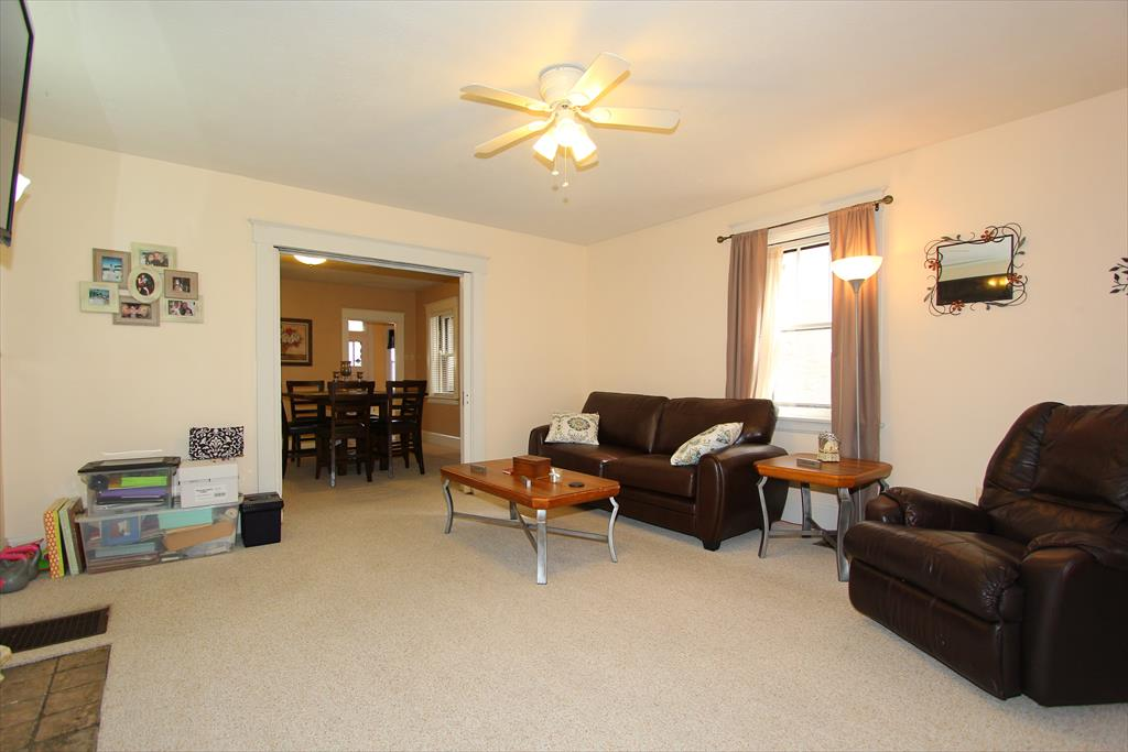 Living Room for 931 Washington Ave Newport, KY 41071