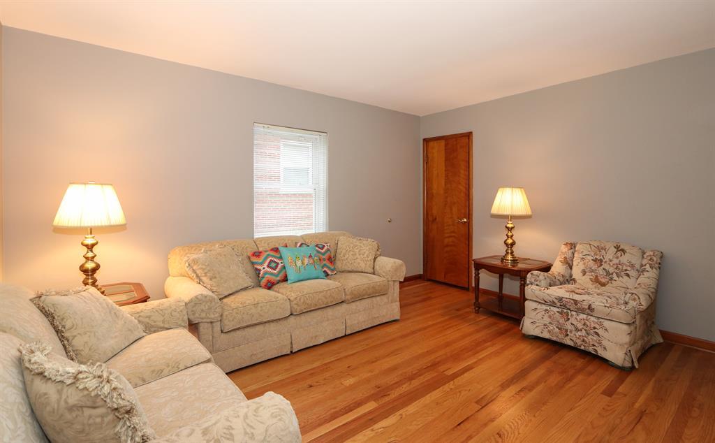 Living Room for 30 Goetz Dr Cold Spring, KY 41076