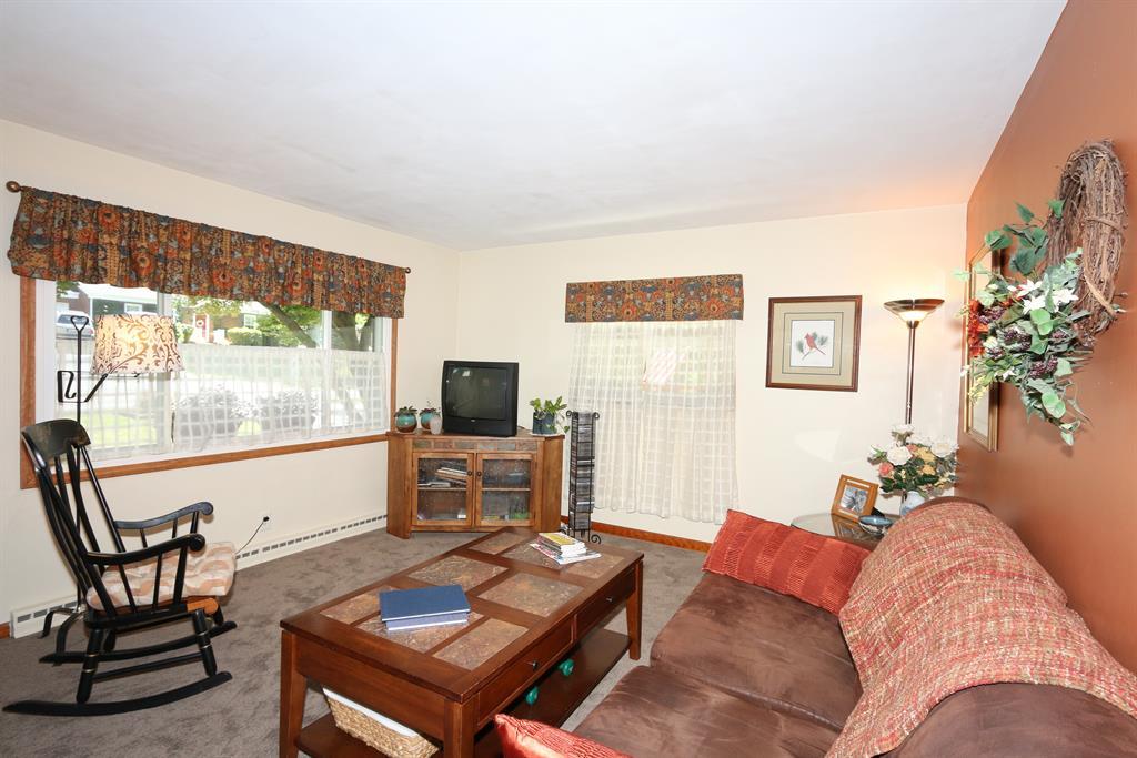 Living Room for 5498 Dodsworth Ln Cold Spring, KY 41076