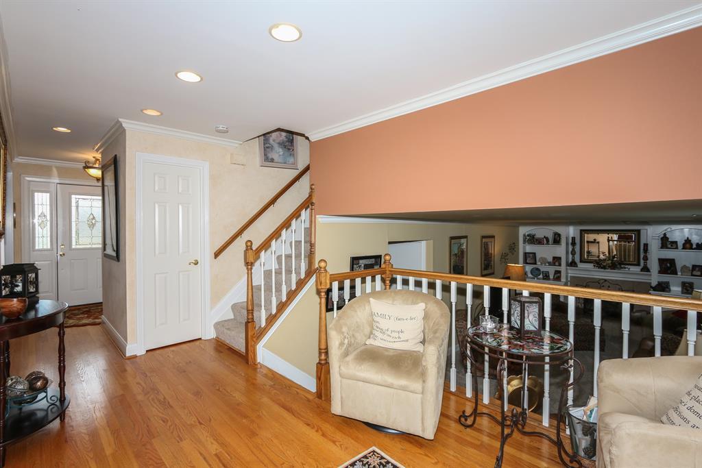Foyer for 1216 Bob White Ct Edgewood, KY 41017