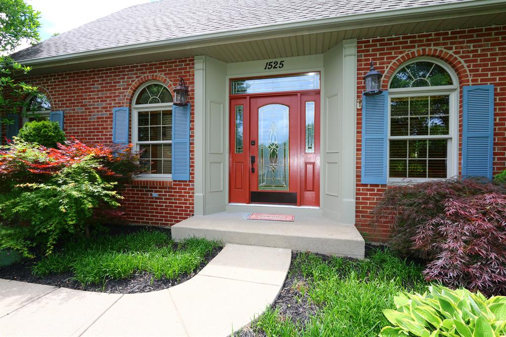 Entrance for 1525 Copper Creek Ct Florence, KY 41042