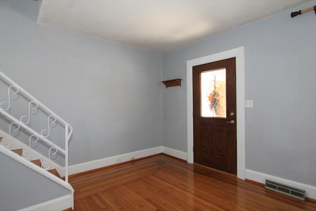Foyer for 4 Lyndale Rd Edgewood, KY 41017