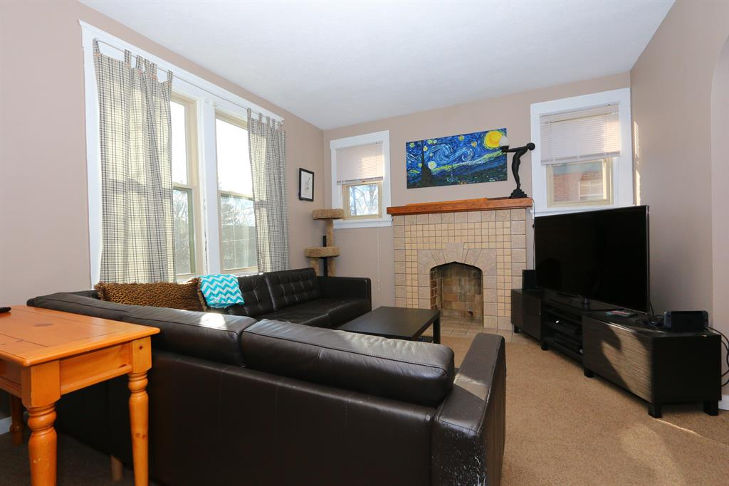 Living Room for 4364 Ridgeview Ave Price Hill, OH 45238