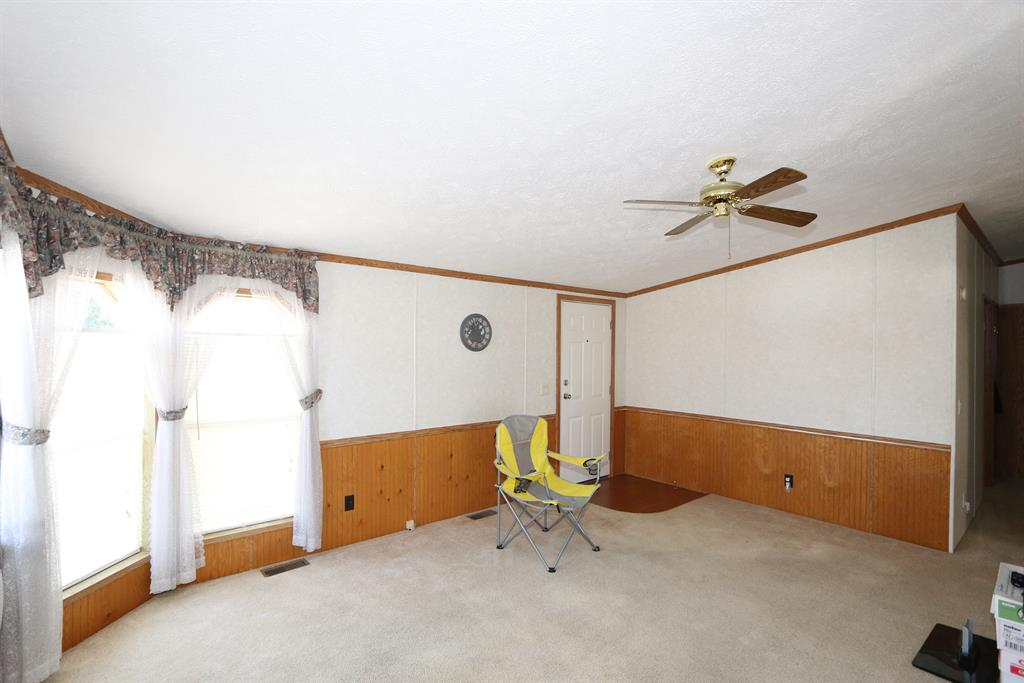 Living Room for 131 Pearl St Highland Co., OH 45142