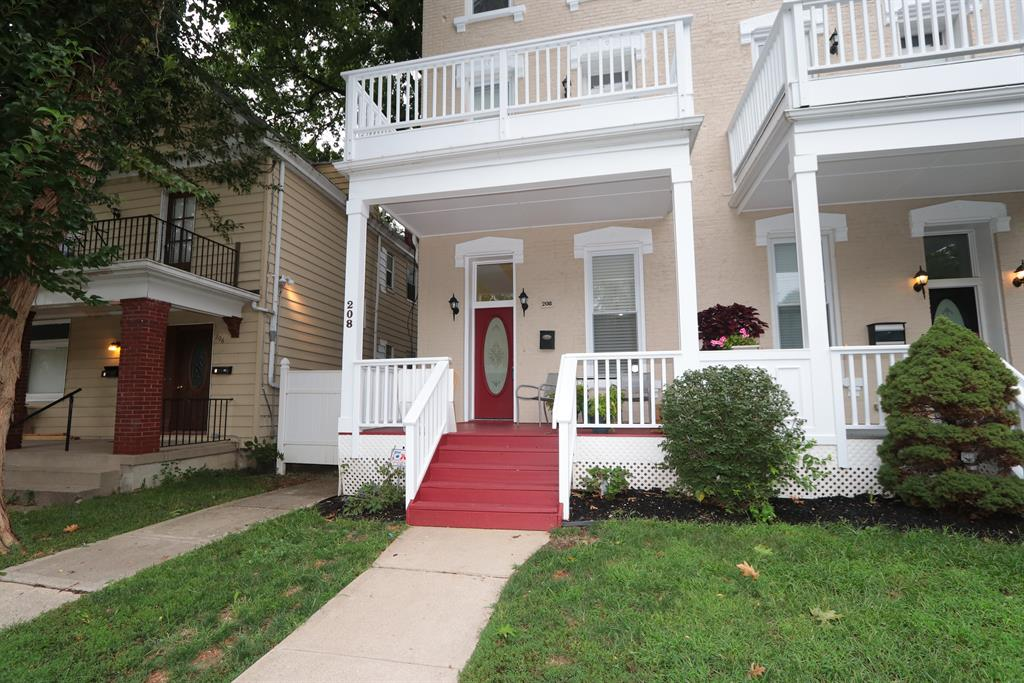 Entrance for 208 Oak St Corryville, OH 45219