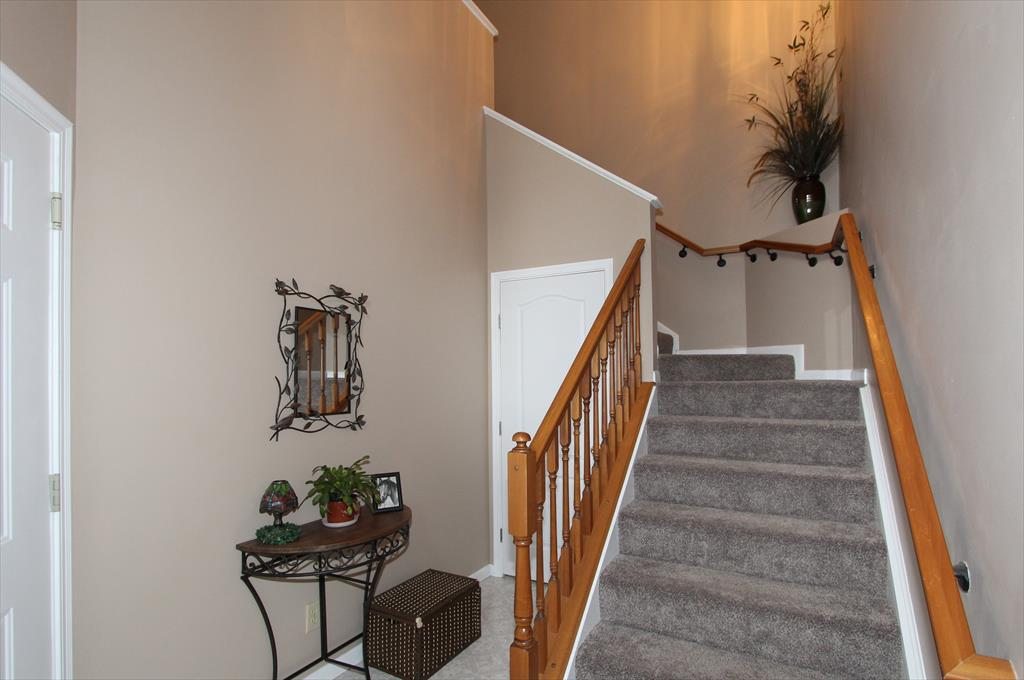 Foyer for 1538 Butler Ct, 301 Florence, KY 41042