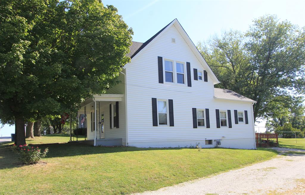 real estate photo 1 for 208 Falmouth St Williamstown, KY 41097
