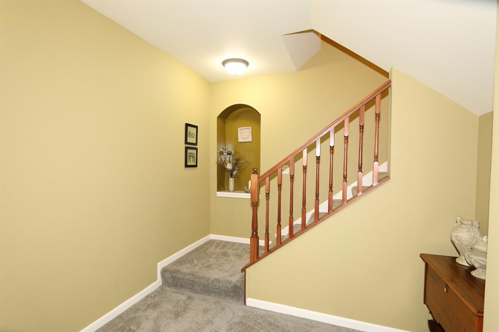 Foyer for 552 Rivers Breeze Dr Ludlow, KY 41016