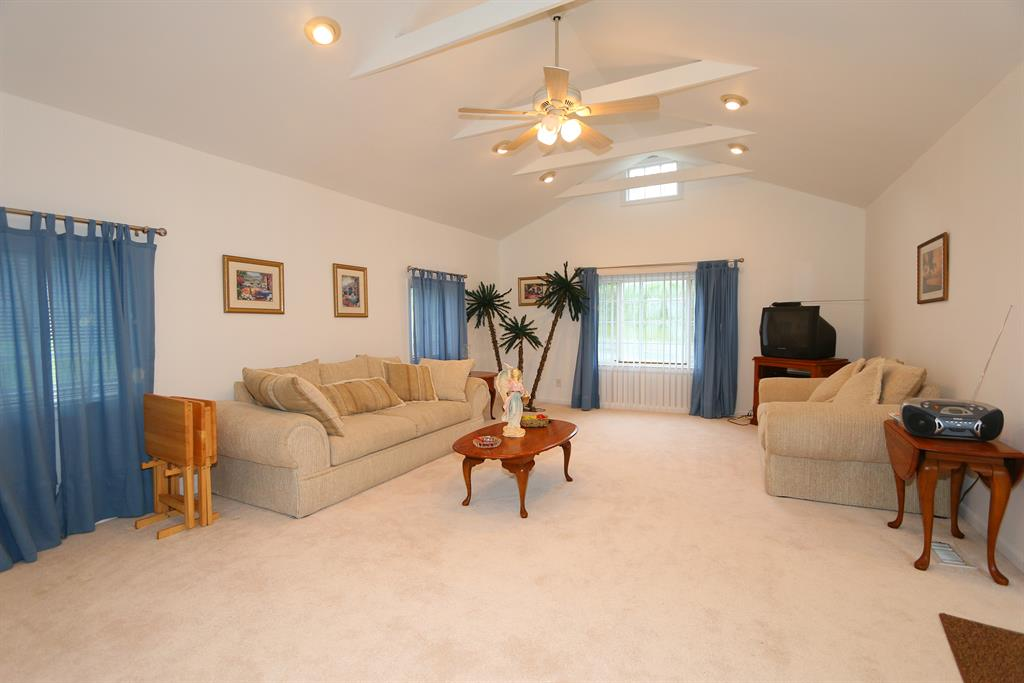 Living Room for 6516 River Rd Hebron, KY 41048