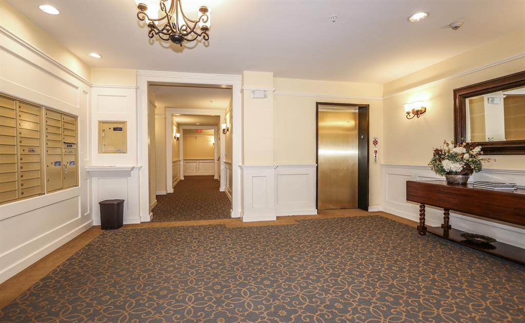 Lobby for 3901 West St, 104 Mariemont, OH 45227