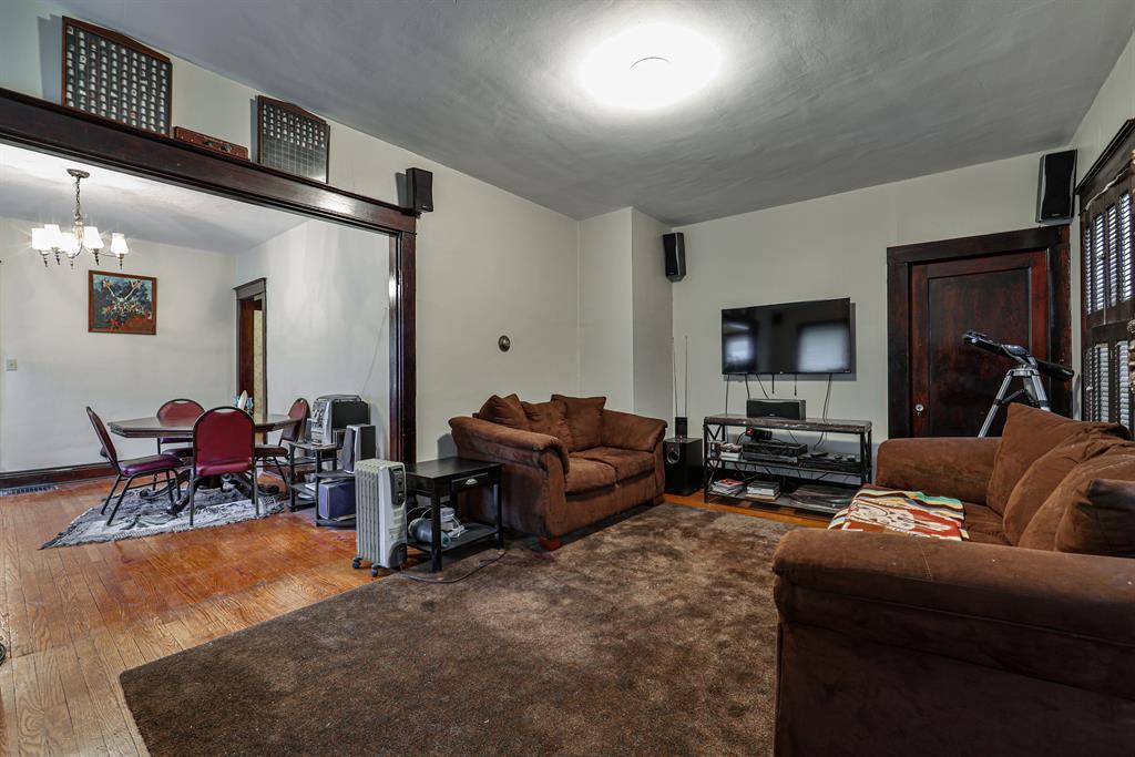 Living Room for 4433 Innes Avenue Northside, OH 45223
