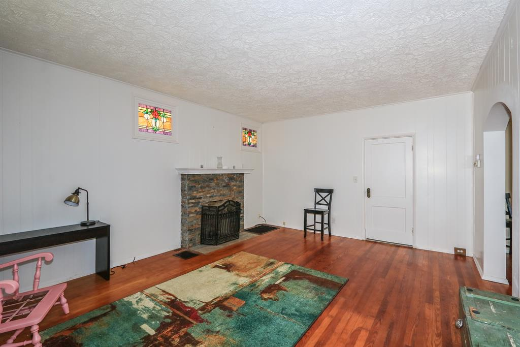Living Room for 3928 Delmar Ave Cheviot, OH 45211