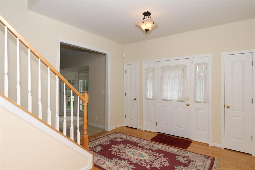 Foyer for 9976 Cedarwood Dr Union, KY 41091
