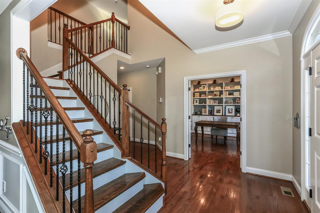 Foyer for 10700 Lucy Ct Union, KY 41091