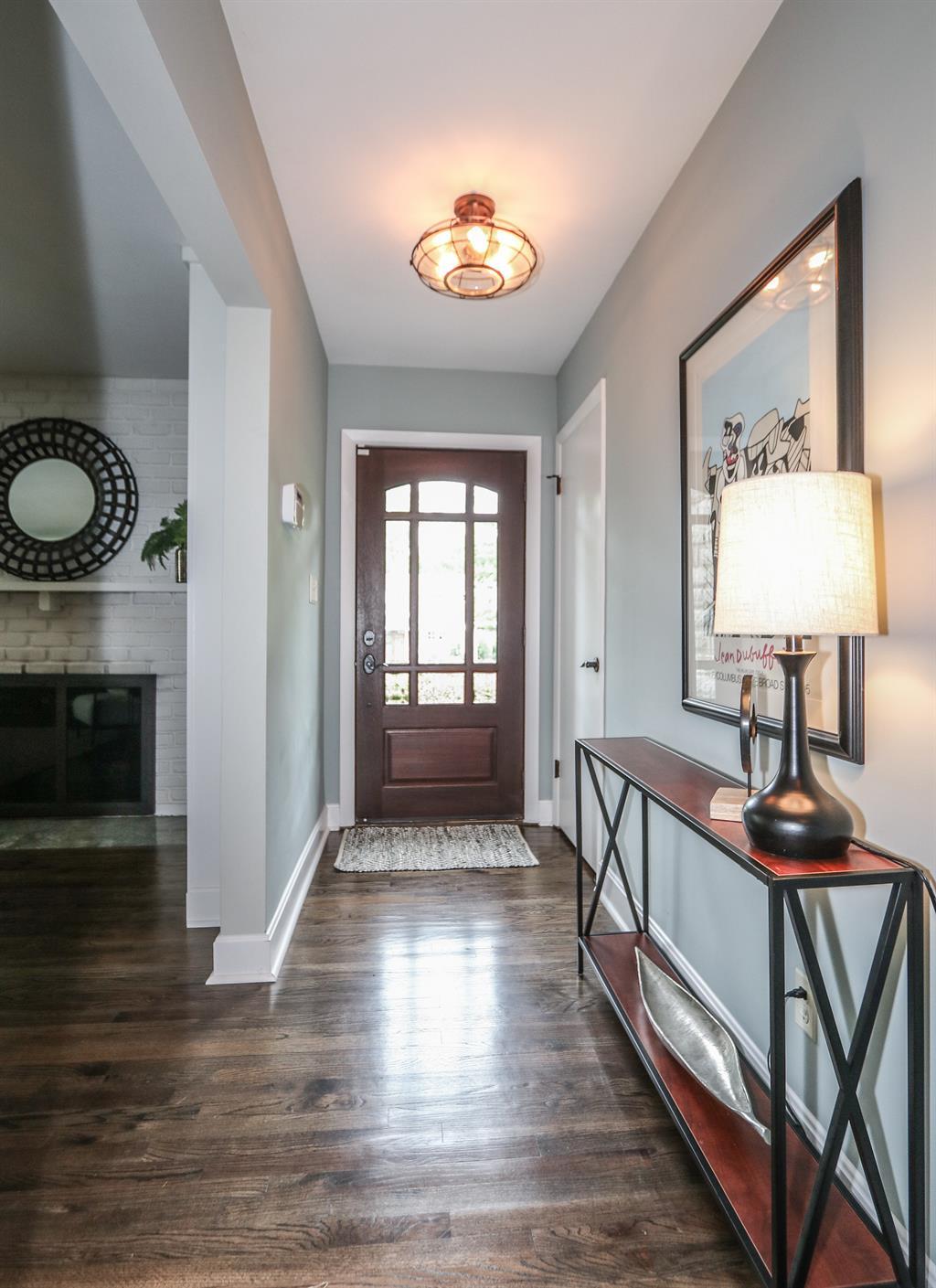 Foyer for 725 Lexington Ave Terrace Park, OH 45174
