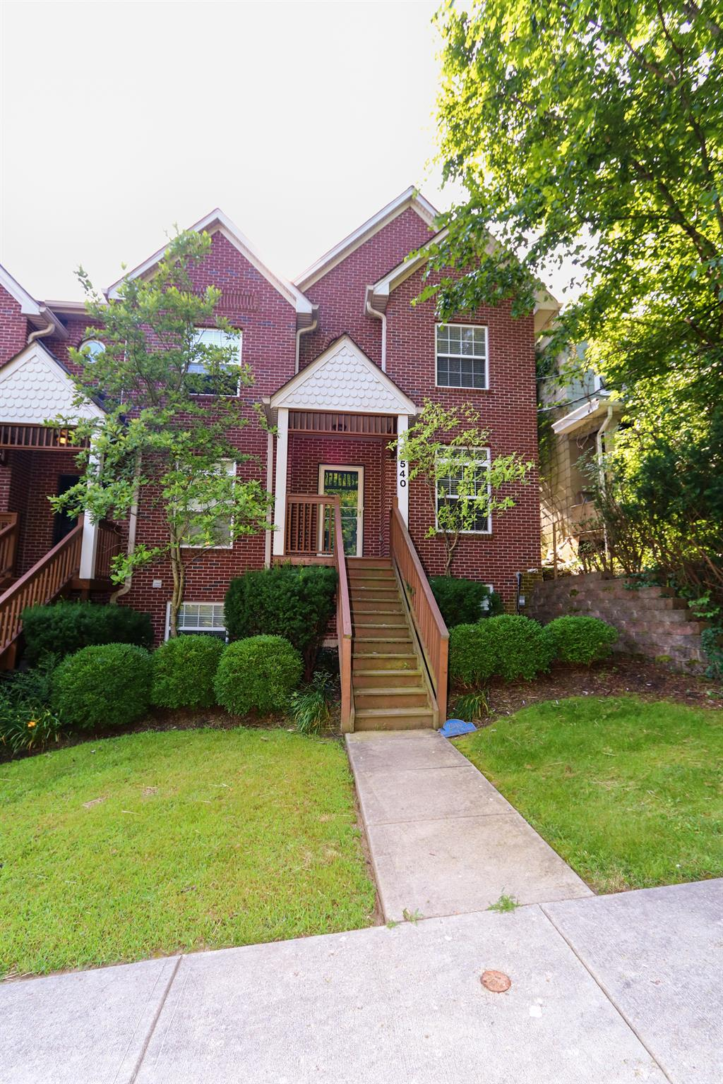 2540 Cleinview Ave Walnut Hills, OH