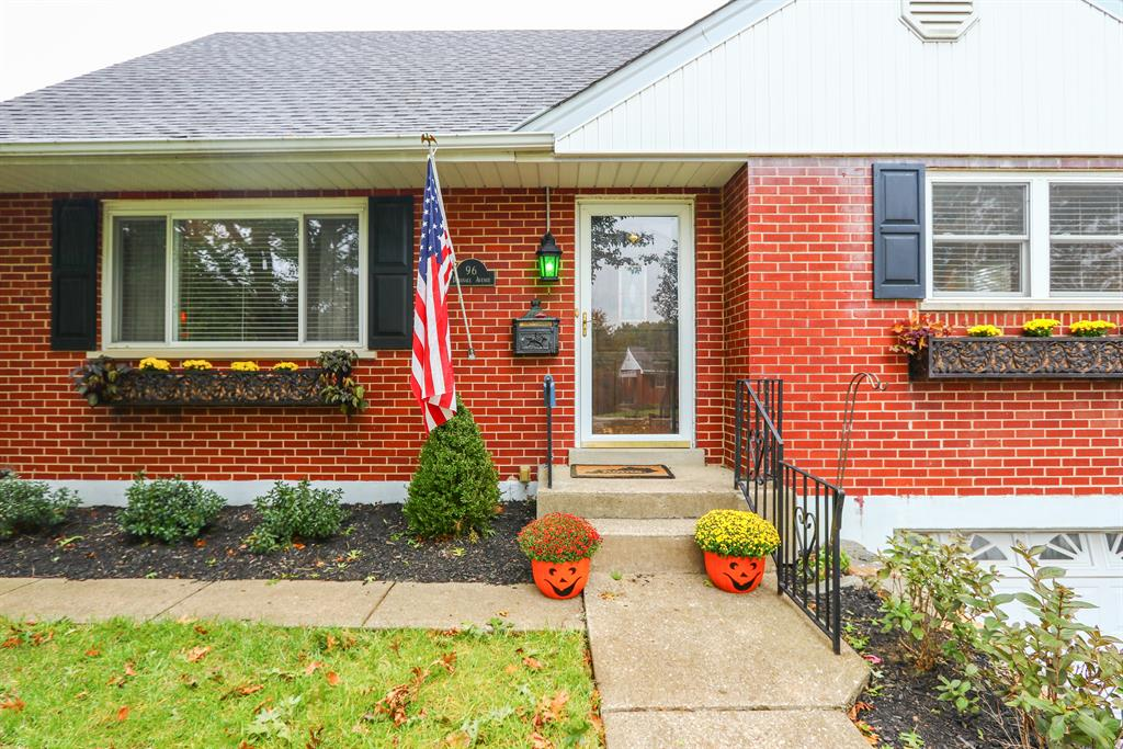 Entrance for 96 Burdsall Ave Fort Mitchell, KY 41017