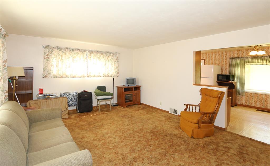 Living Room for 312 Ingram Rd Greenhills, OH 45218