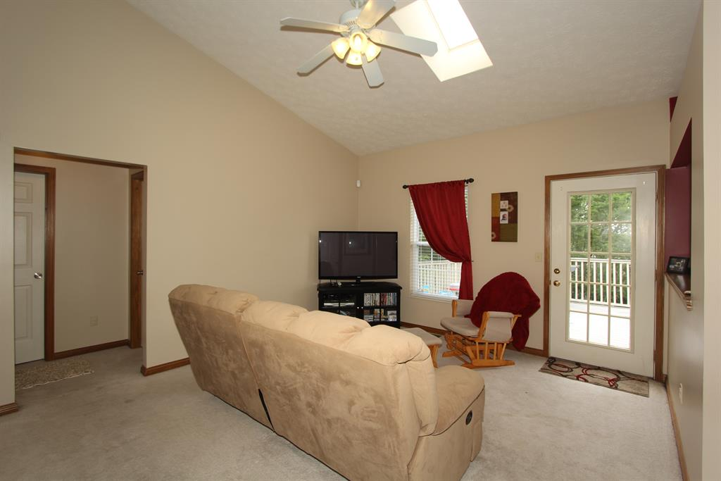 Living Room for 10436 Calvary Rd Independence, KY 41051