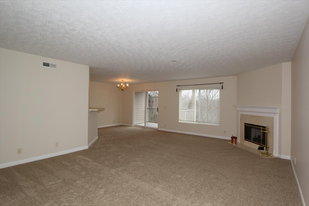 Living Room for 1602 Arbor View Ln, 203 Cold Spring, KY 41076