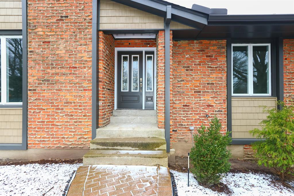 Entrance for 7675 Shadowhill Way Montgomery, OH 45242