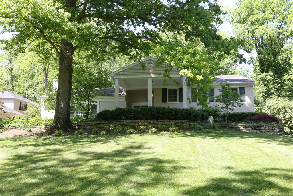 Exterior (Main) for 545 Sweetwood Ln Oakwood, OH 45419