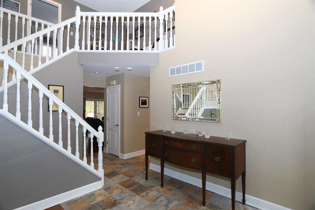 Foyer image 2 for 8 Kees Dr Alexandria, KY 41001