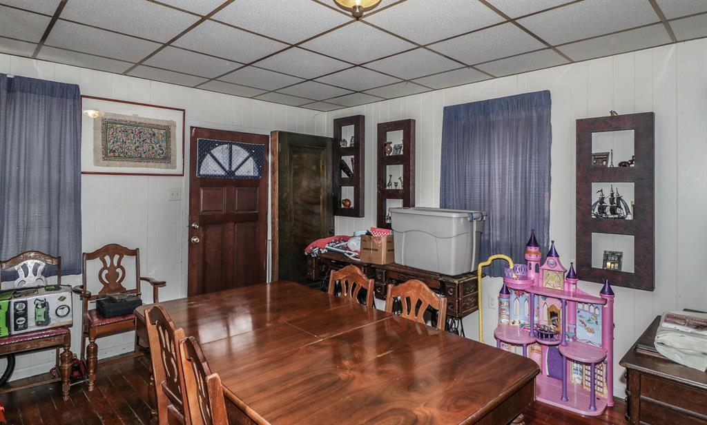 Living Room for 940 Monroe Newport, KY 41071