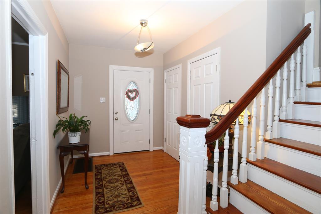 Foyer for 2260 Madison Ave Norwood, OH 45212