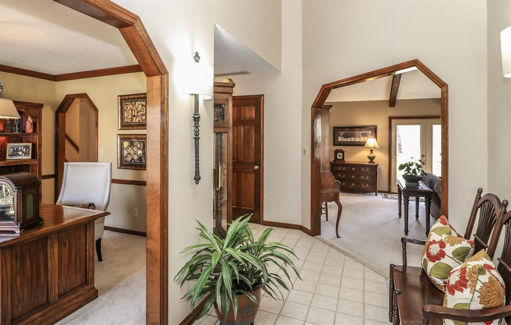 Foyer for 218 Quiet Meadow Ln Washington Township, OH 45459