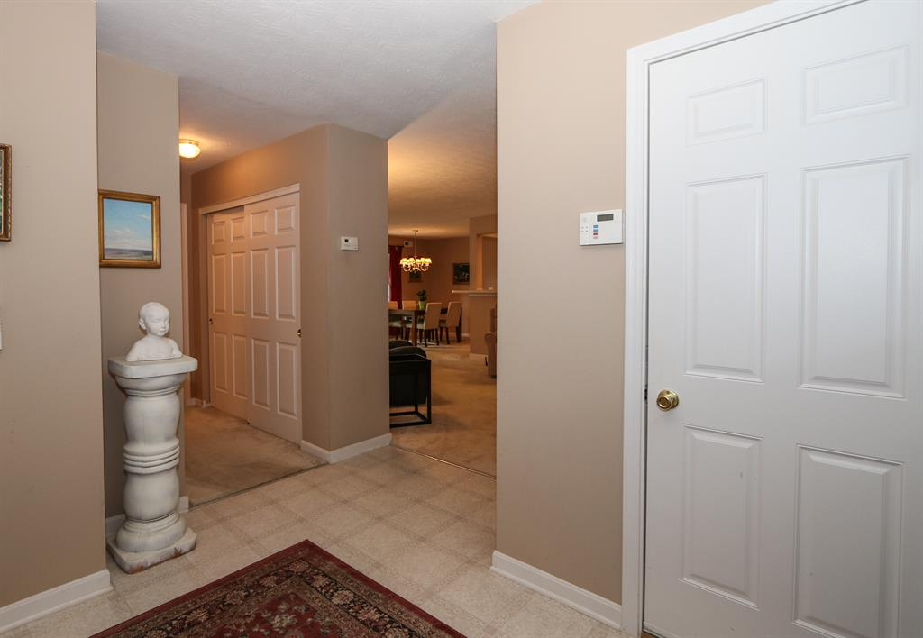 Foyer image 2 for 526 Fawn Run Cold Spring, KY 41076