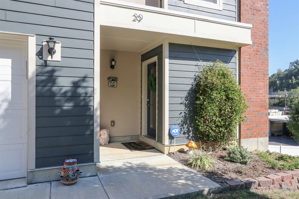 Entrance for 29 19th St Newport, KY 41071