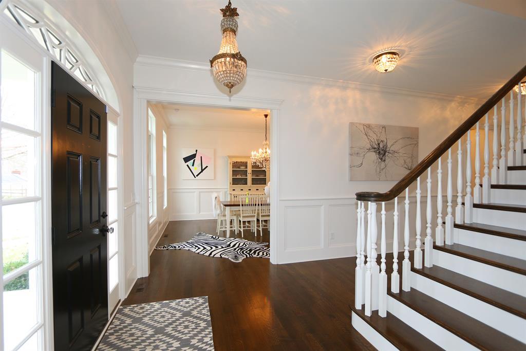 Foyer for 1 Elmwood Ln Terrace Park, OH 45174