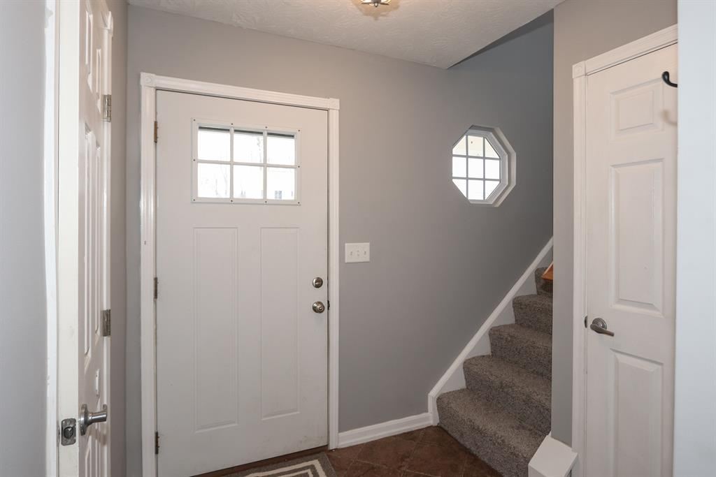 Foyer for 3112 Summitrun Dr Independence, KY 41051