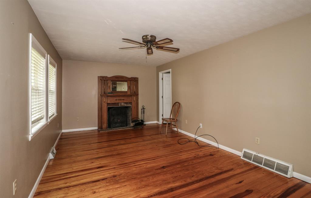 Living Room for 12899 Pleasant Ridge Rd Alexandria, KY 41001