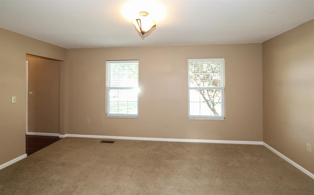 Living Room for 7564 Thunder Ridge Dr Florence, KY 41048