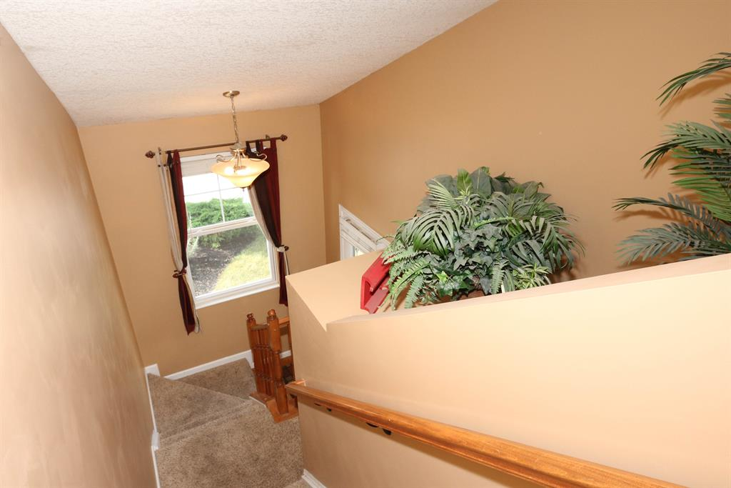 Foyer for 2396 Paragon Mill Dr, 303 Burlington, KY 41005