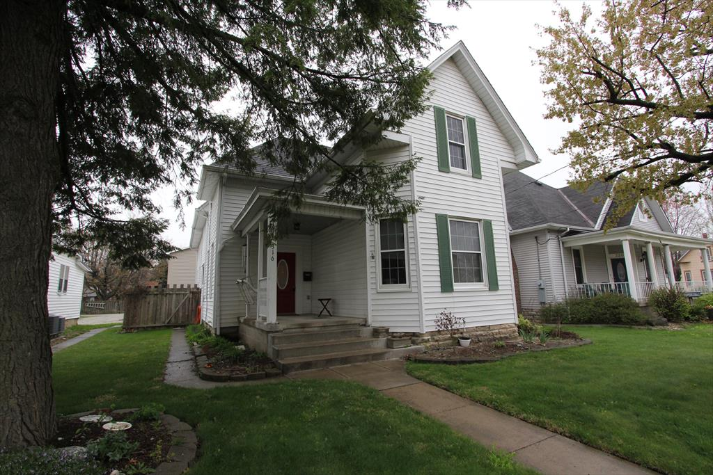 real estate photo 1 for 316 Maplewood Ave Batesville, IN 47006
