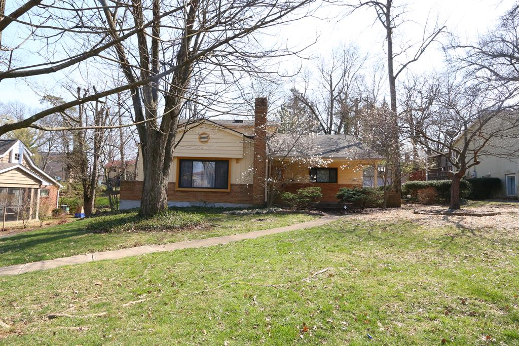 449 Hillcrest Dr Wyoming, OH