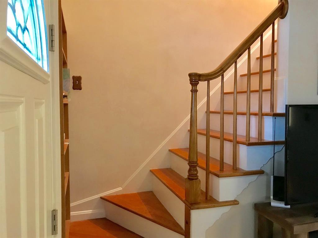 Foyer for 28 Terrace Ave Crestview, KY 41076