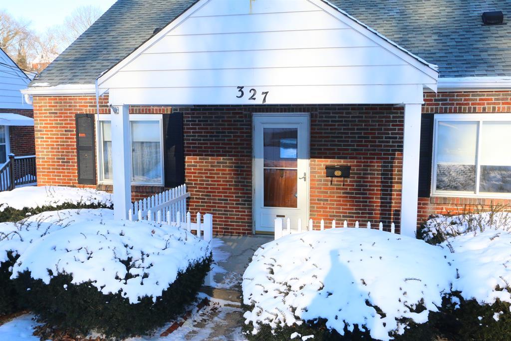 Entrance for 327 Riddle Pl Newport, KY 41071