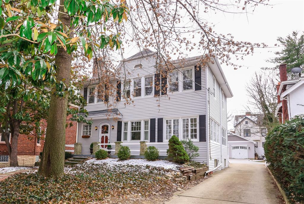 2913 Madison Rd Oakley, OH
