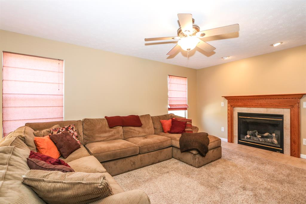 Family Room for 1832 Wagon Wheel Dr Ross Twp., OH 45013