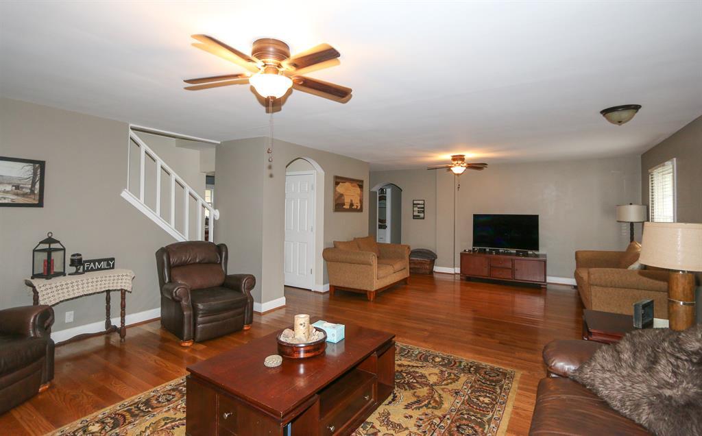 Living Room for 410 Cornell Ave Terrace Park, OH 45174