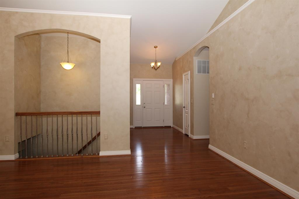 Foyer for 4001 Twilight Rdg Burlington, KY 41005