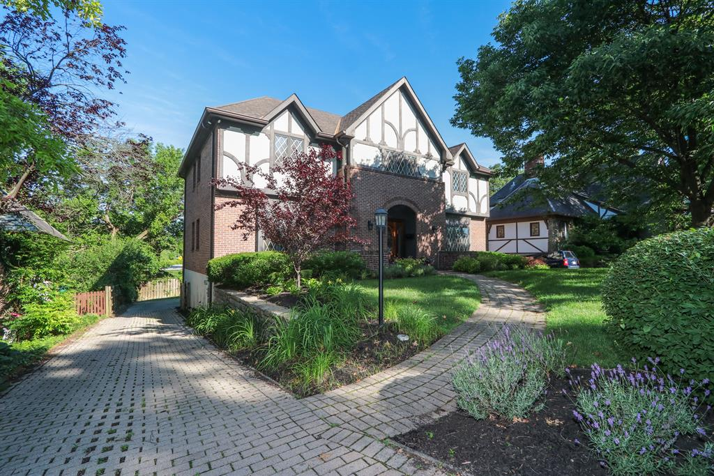 1016 Clifton Hills Ave Clifton, OH