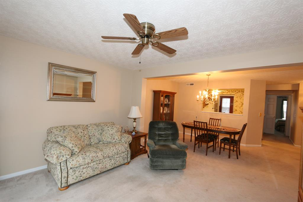 Living Room for 5375 Millstone Ct, 4D Taylor Mill, KY 41015