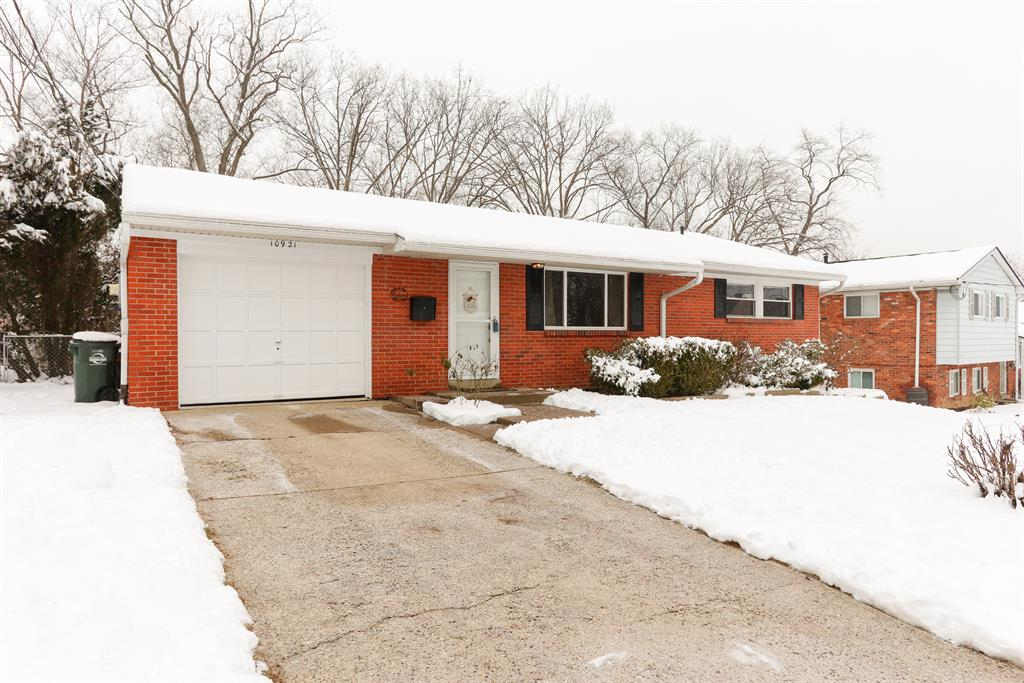 10921 Thornview Dr Sharonville, OH