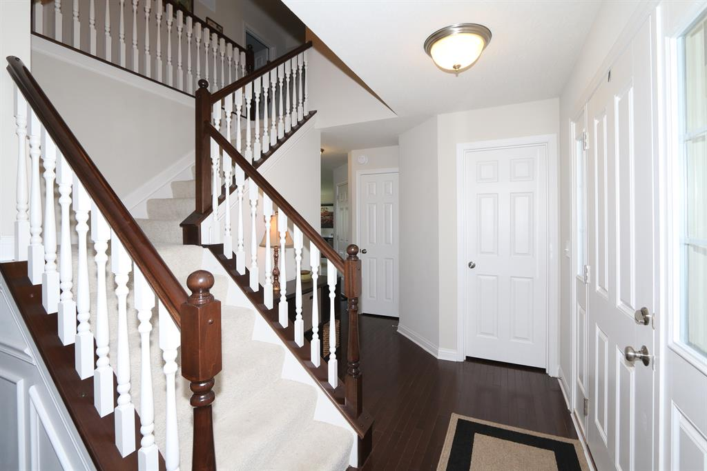 Foyer for 4451 Silversmith Ln Independence, KY 41051