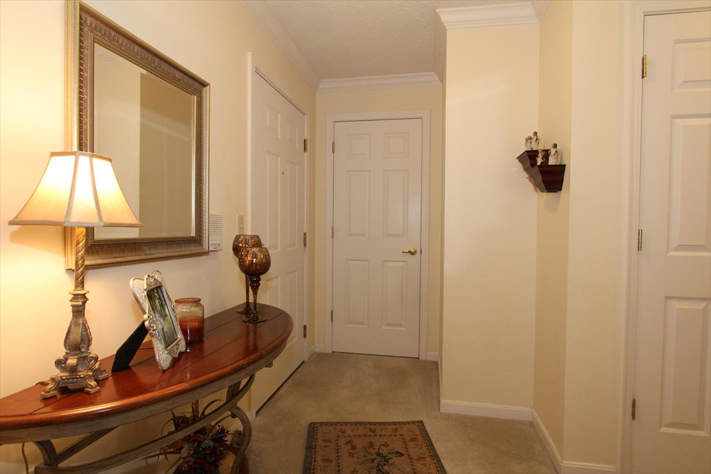 Foyer for 164 Langshire Ct Florence, KY 41042
